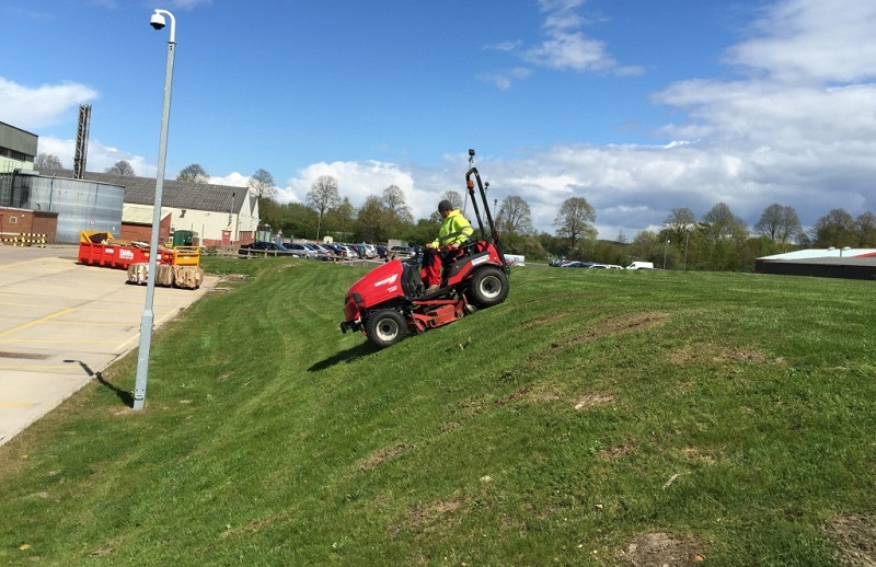 Why Is Grounds Maintenance So Important To Commercial Businesses In Derby
